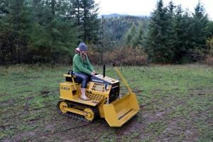 mini bull dozer for rural property jobs